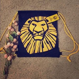 5/$25 The Lion King Cinch Bag